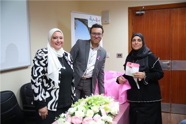 مستشفى بهية تكرم 25 سيدة من أمهات الشهداء