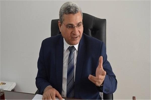 الدكتور محمد زارع المتحدث باسم جامعة الأزهر