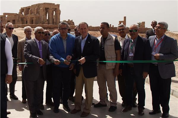 رئيس الوكالة الأمريكية للتنمية الدولية يشهد الاحتفال بمشروع معبد كوم أمبو