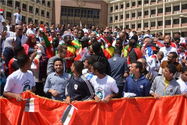 مسيرة رسالة الشعوب بجامعة أسيوط