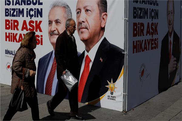 رجب طيب أردوغان وبن علي يلدريم