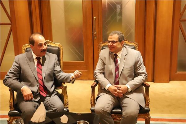 """سعفان يبحث مع """"حميدان"""" تطوير منظومة العمل البحرينية"""