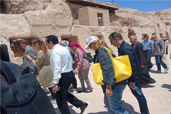 زيارة محافظة الأقصر