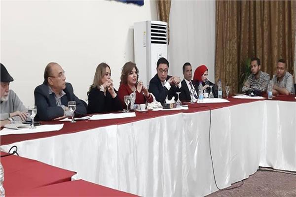بالصور.. عبد الوهاب عزت ضيف صالون الجراح الثقافى