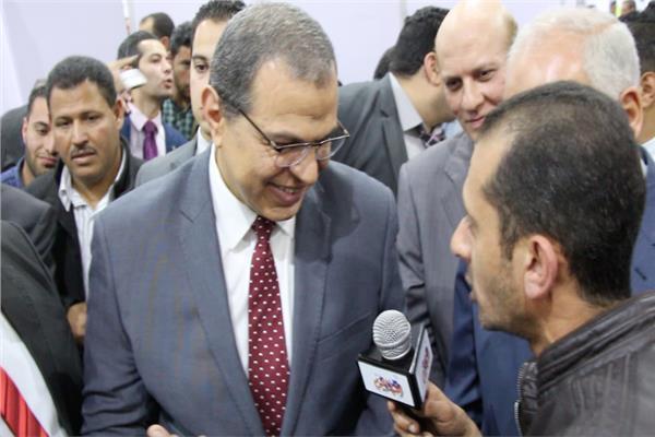محرر بوابة أخبار اليوم مع وزير القوي العاملة