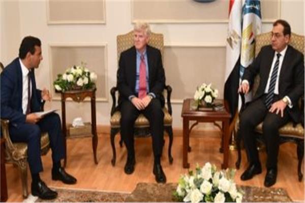 وزير البترول ووفد شركة ميثانكس مصر