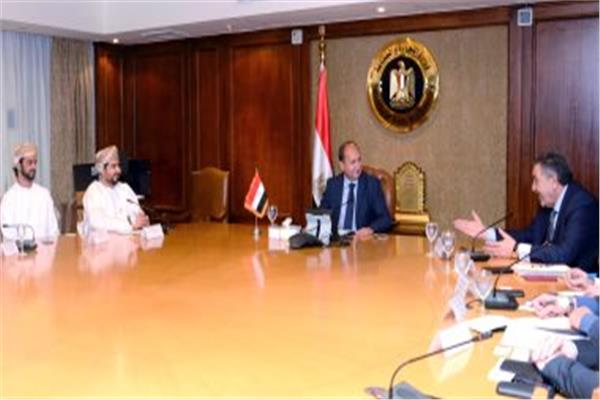 وزير التجارة يستقبل وفد عمانى بحضور أحمد الوكيل