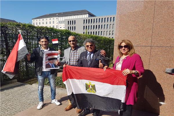 توافد المصريين ببرلين للمشاركة في استفتاء التعديلات الدستورية