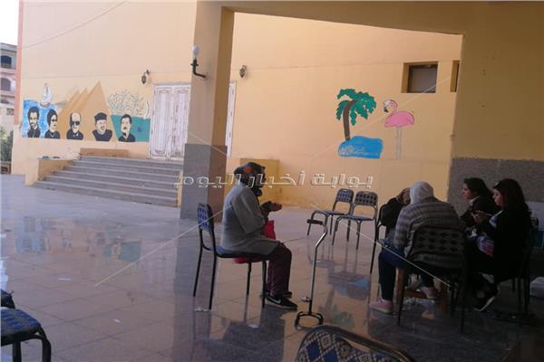 إقبال كبير من المسنين في الفترة الثانية من التصويت بالشيخ زايد