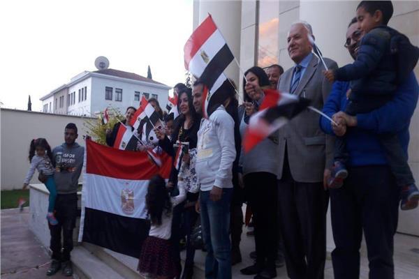 عدد من أبناء الجالية المصرية بقبرص