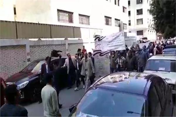 مسيرة شبابية تجوب شوارع السيدة زينب