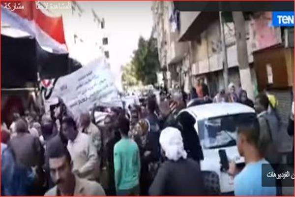 مسيرة تجوب شوارع السيدة زينب لحث المواطنين على المشاركة في الاستفتاء