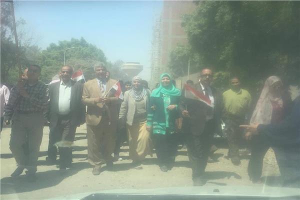 الوحدة المحلية بمحافظة الجيزة تنظم مسيرة من المنيب لابو النمرس