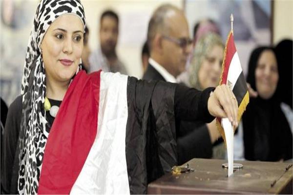 أبناء الجالية المصرية بنيويورك أثناء مشاركتهم في الاستفتاء