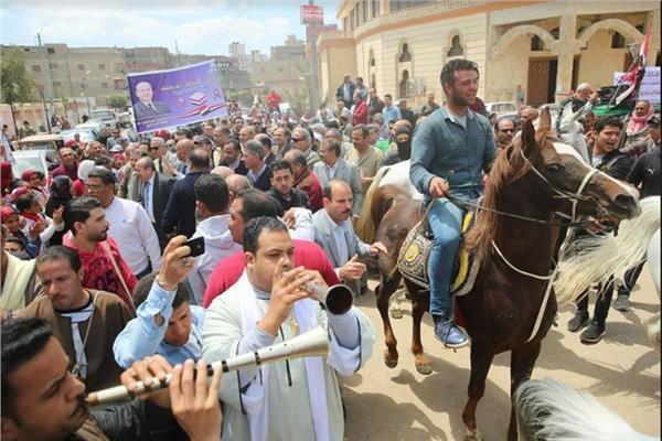 مسيرة «خيول ومزمار» لدعم المشاركة في الاستفتاء بكفر الشيخ