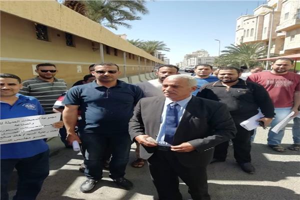 بالصورة.. برلماني يحشد المصريين في جدة للمشاركة في الاستفتاء الدستوري