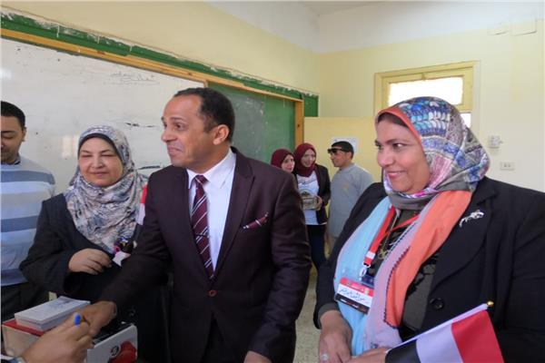 رئيس جامعة دمنهور للمواطنين: الاستفتاء ضرورة لمستقبل البلد.. فلا تبخلوا على مصر