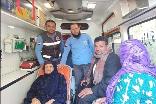اسعاف الشرقية ينقل مريضة ومسنين للجان الاستفتاء