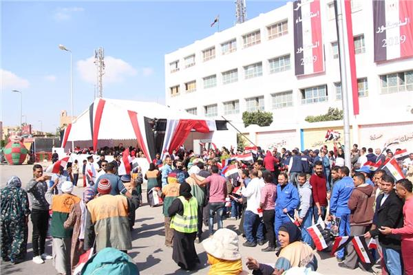 التعديلات الدستورية 2019| اللجان تفتح أبوابها للمواطنين في ثالث أيام الاستفتاء