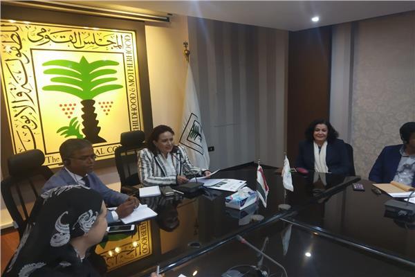 جانب من اجتماع د.عزة العشماوي مع الفريق الوطني لمناهضة العنف ضد الأطفال