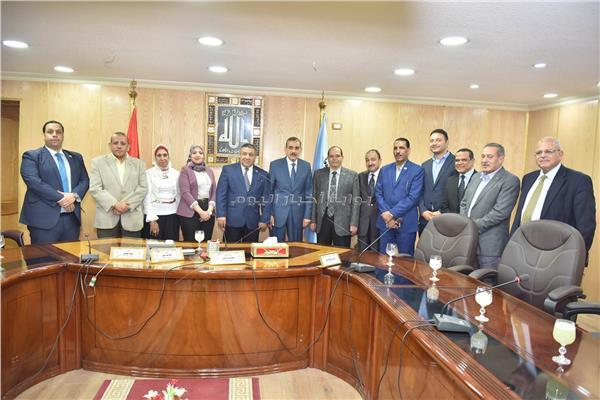 لقاء اللواء جمال نورالدين محافظ أسيوط بوفد نقابة المهندسين