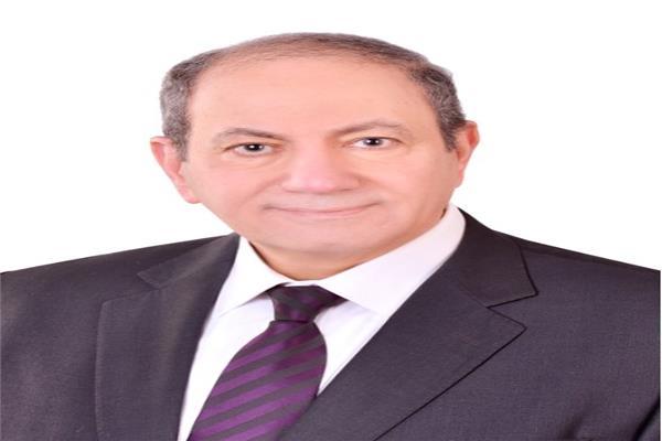 الدكتور طارق الديسطى