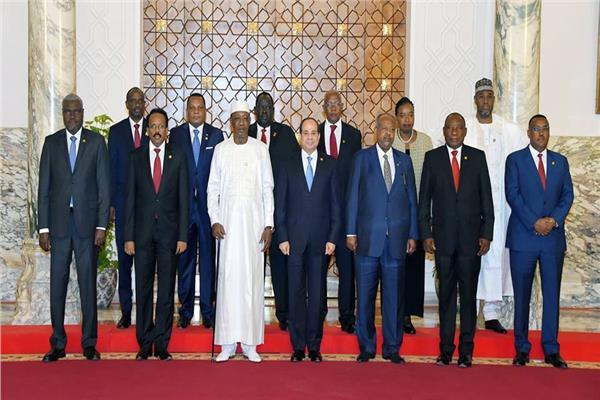الرئيس السيسي وأعضاء القمة التشاورية للشركاء الإقليميين للسودان