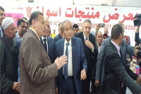 وزير التموين يفتتح معرض أهلا رمضان بمحافظة الجيزة