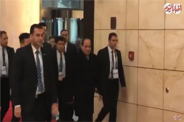 الرئيس السيسي يصل مقر إقامته في بكين