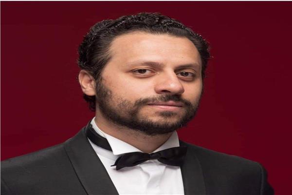 الناقد أحمد شوقي