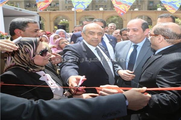 الدكتور عز الدين أبو ستيت وزير الزراعة والإصلاح الزراعى