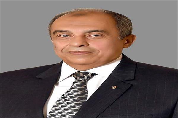 وزير الزراعة عز الدين ابو ستيت