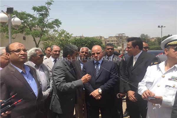 محافظ القاهرة يتفقد حديقة الفسطاط