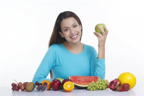 الإتيكيت الرمضاني بيقولك  كيف تتناول الفاكهة ؟