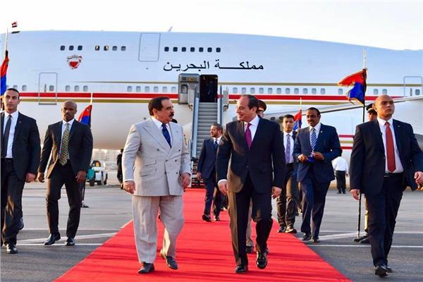 الرئيس السيسي يستقبل ملك البحرين