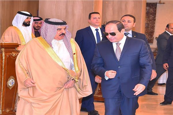 الرئيس السيسي يودع ملك البحرين في ختام زيارته لمصر