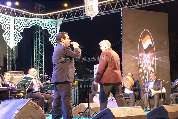 محمد ثروت خلال الحفل