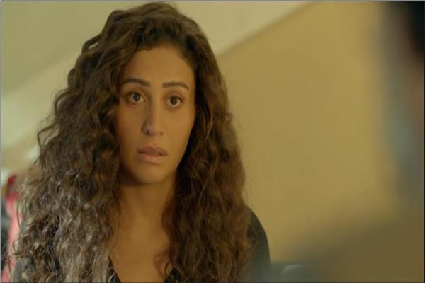 دينا الشربيني في مشهد من مسلسل زي الشمس