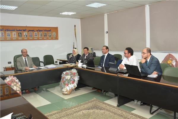 وفد الهيئة العربية للتصنيع مع نائب رئيس جامعة أسيوط