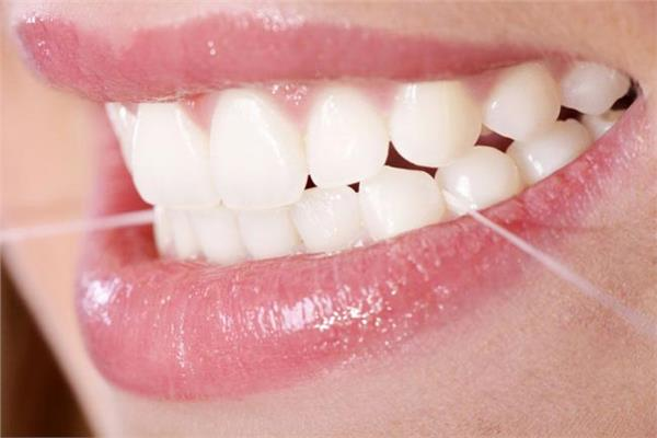 عوامل التنظيف الأمثل للأسنان وحمياتها