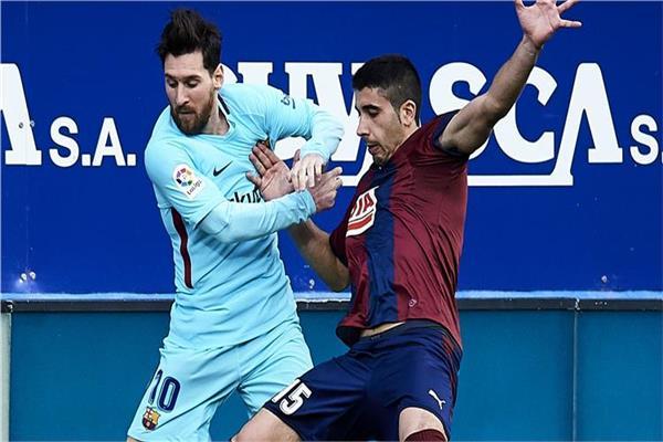 برشلونة يتعادل مع إيبار في الشوط الأول