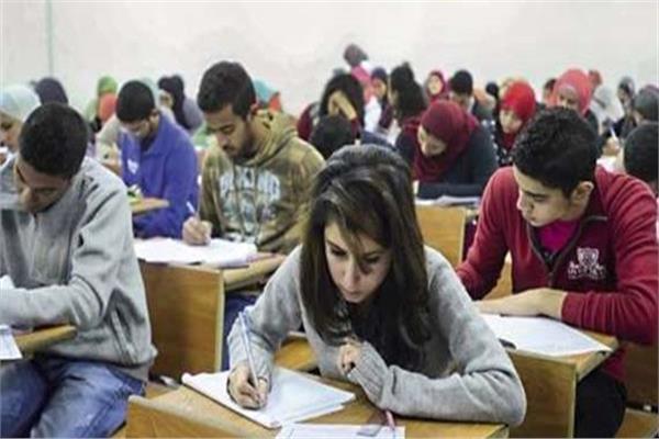 صورة أرشيفية- امتحانات الصف الأول الثانوي