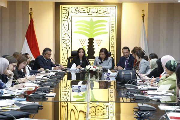 مايا مرسي تترأس الاجتماع الأول للفريق الوطني للقضاء على ظاهرة تشويه الاعضاء التناسليه للإناث