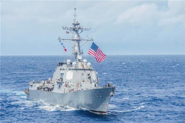سفينة أمريكية في بحر الصين الجنوبي