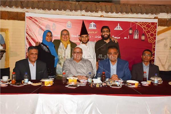 صور  جامعة عين شمس تقيم حفل الإفطار السنوي للأيتام