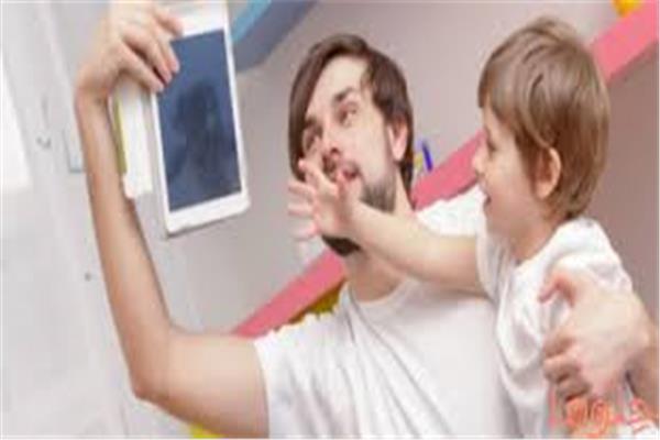 أسباب إدمان الأطفال للهواتف الذكية وطرق معالجتها