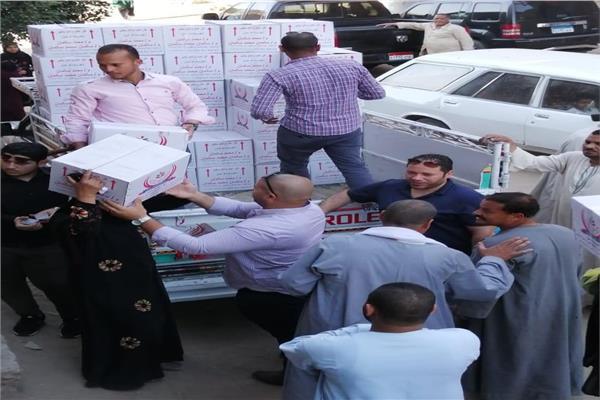 25 ألف كرتونة رمضانية في 44 قرية بأسيوط