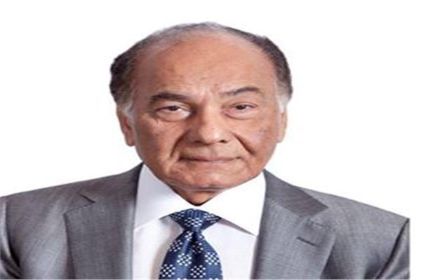 رئيس مجلس أمناء الجامعة ، محمد فريد خميس