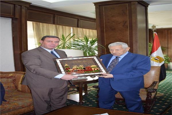 مكرم محمد أحمد يبحث مع السفير الفلسطينى بالقاهرة جهود مصر فى دعم القدس
