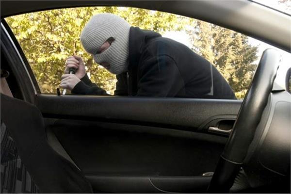 ضبط تشكيل عصابى بالإسكندرية تخصص فى سرقة السيارات تحت تهديد السلاح
